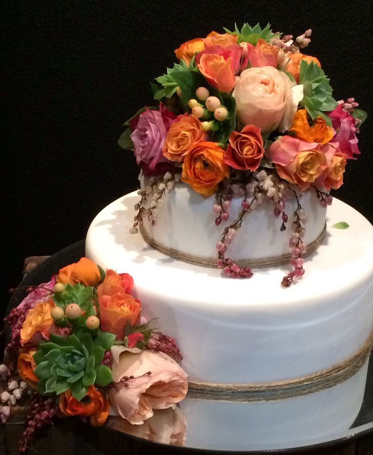 Luscious cake topper!