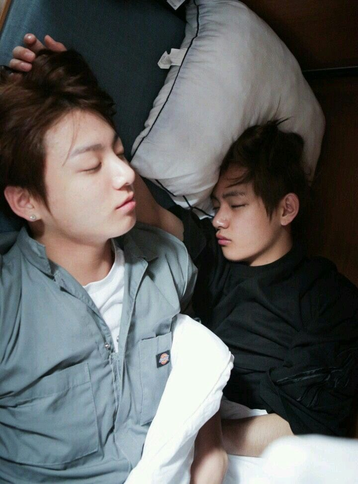 Taekook while sleeping. Ommo they are so cute