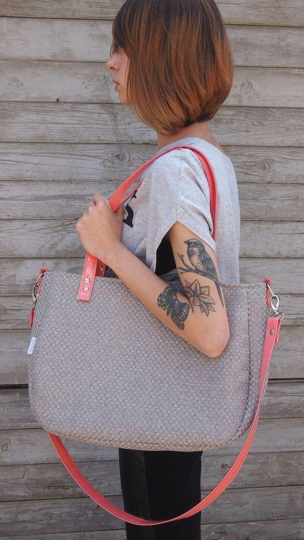 Umhängetasche in Grau und Lachs für einen Stadtbummel / shopper bag for your city trip made by Mana Mana Bags via DaWanda.com