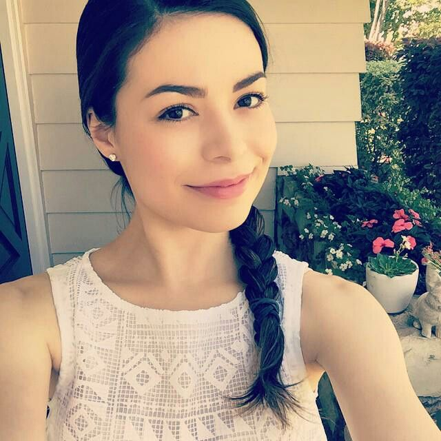 icarly actress dating This is the friendship pairing of the whole victorious cast this includes victoria justice, ariana grande, matt bennett, elizabeth gillies, avan jogia.