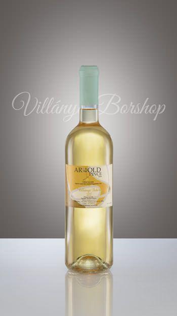 Arnold Királyleányka 2012  Magyarországra a mult század elején  Erdélyből behozott szőlőfajta. Borának illata rendkívül fűszeres, zamata illatához símuló, elegáns, közepesen savas, száraz bor. A 2012-es év különösen kedvező volt a szőlő számára.