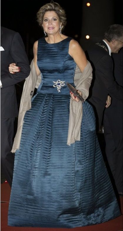 Máxima, wearing a creation by Belgium designer Natan, attends a gala in Rotterdam to honor the 33-year reign of Queen Beatrix. 01 Feb 2014