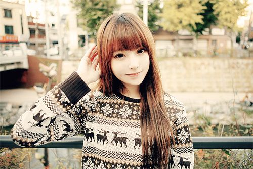 I love heavy bangs like this but my husband is not a fan at all. He thinks it looks odd. We'll see if I ever get it.