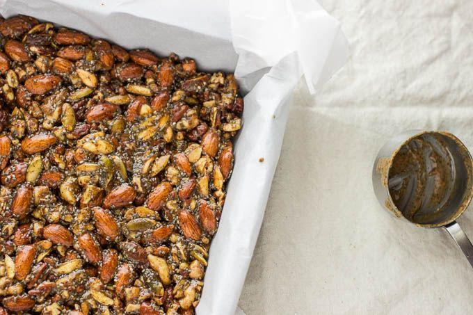 No-Bake Granola Bars with Maple-Sweetened Dark Chocolate {GF + V} | saltedplains.com