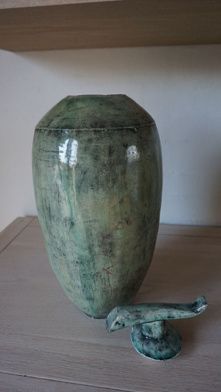Keramik vase med låg