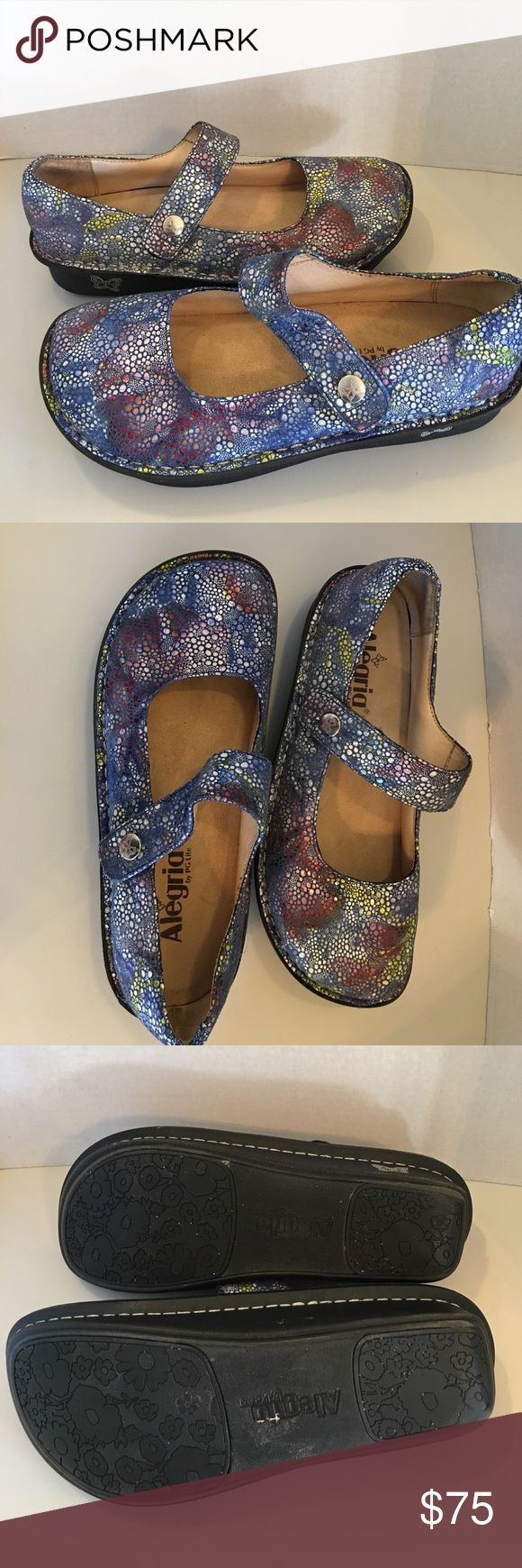 WOMEN'S ALEGRIA PALOMA BLUE BUBBLES WOMEN'S ALEGRIA PALOMA BLUE BUBBLES Excellent condition like new couple times wearing Accommodates custom orthotics Approx. 1'' platform height Approx. 1¾'' heel height Leather lining Alegria Shoes Mules & Clogs