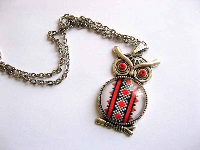 #Bijuterie #bufnita cu #motiv #traditional, #culori #rosu si #negru, bijuterie #femei http://handmade.luxdesign28.ro/produs/bijuterie-bufnita-cu-motiv-traditional-culori-rosu-si-negru-29540/