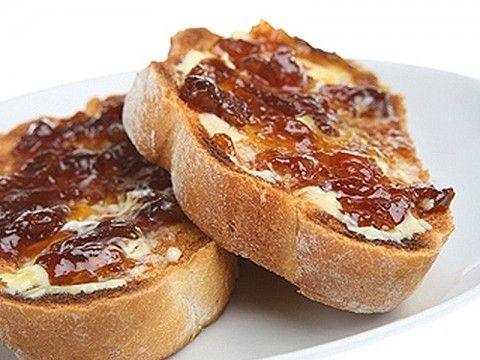 Crostini of Caramelized Onions, Dolce Latte Gorgonzola and Fig Jam