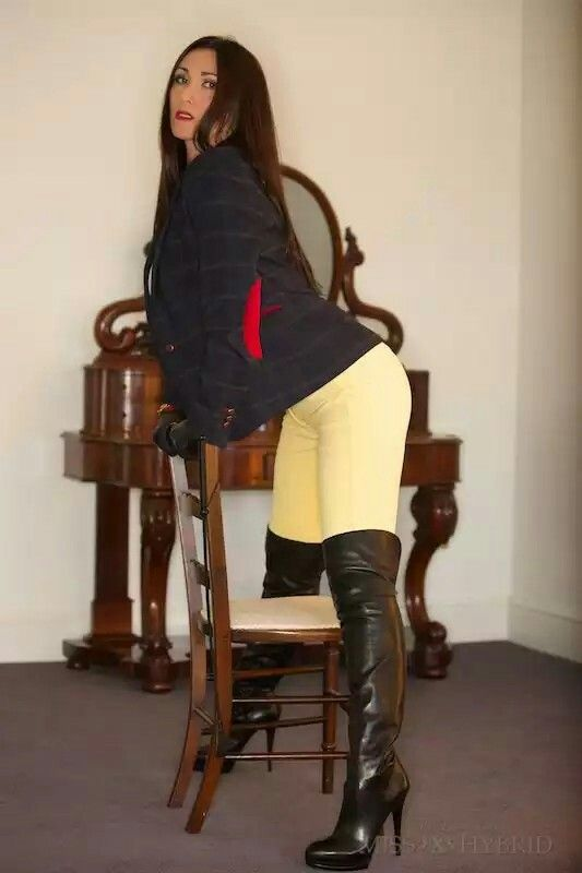 Ladies in boots pictures