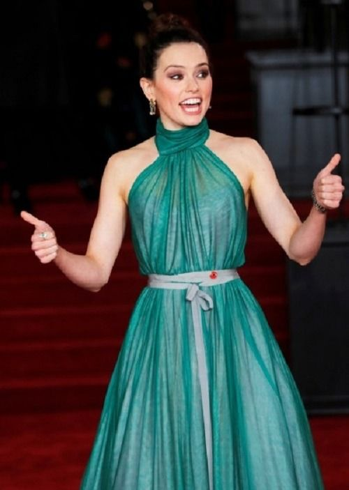 NegyZone - Daisy Ridley at the 'Murder on the Orient Express' London Premiere on Nov 2nd, 2017
