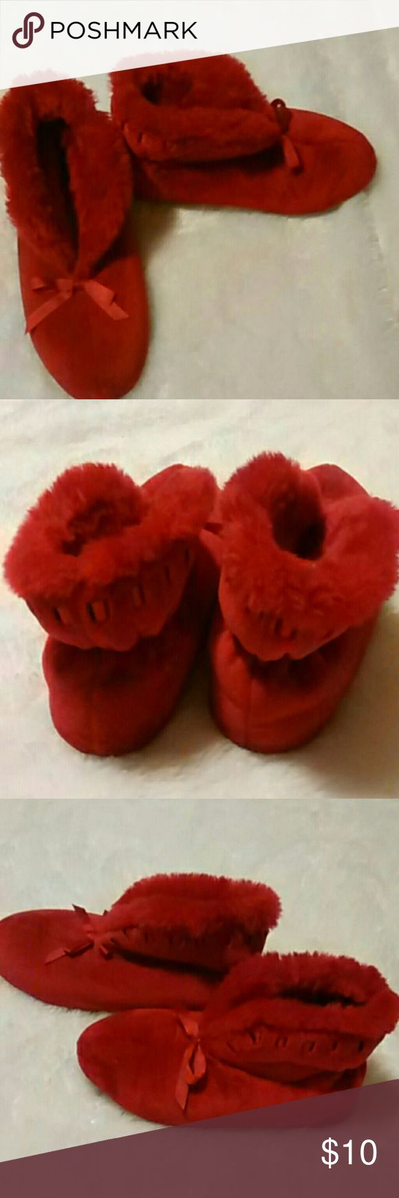 Red Dear Foam House Shoes These are very nice house shoes. Dear foam red . The size is 6 1/2-7 1/2. In great condition.  Offers always welcome. Bundle and save. Any questions please feel free to ask. Happy Poshing! Dear Foams Shoes