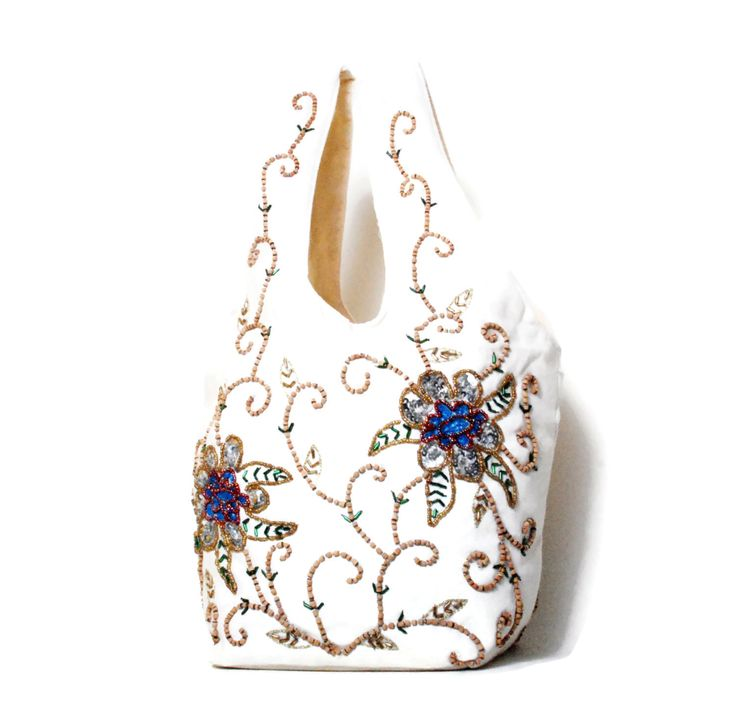 Beaded Bag 90s embroidered bag/ Boho Style, White Flower pattern Bag/ Vintage Woman's Accessories/ by SixVintageChicks on Etsy