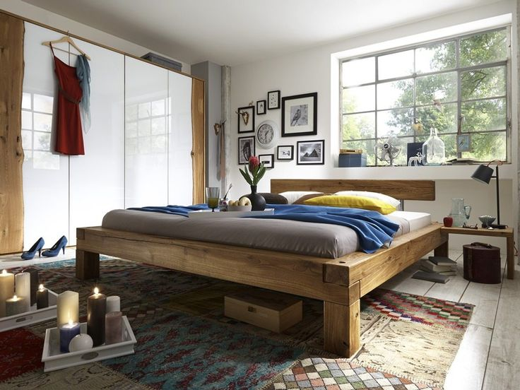 Schweres Bett aus massiven Eiche Balken. In drei Größen ...