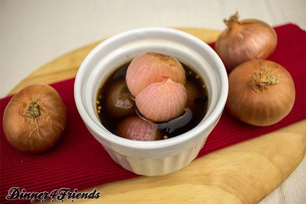 Auch als Mitbringsel sind die selbst gemachten Balsamico-Zwiebeln heiß begehrt.