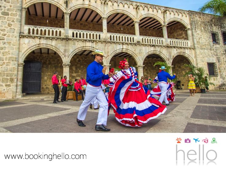 VIAJES EN PAREJA. Si hay algo que nunca dejarás de escuchar en República Dominicana es el ritmo del merengue, una pasión nacional que se disfruta en casi todos los clubes y restaurantes locales. Incluso, se realiza un festival anual a finales de julio y principios de agosto en Santo Domingo, para bailar esta música tan alegre. En Booking Hello, te invitamos a sorprender a tu pareja con tus mejores pasos de baile y un all inclusive a las playas de este país, para vivir una fiesta…