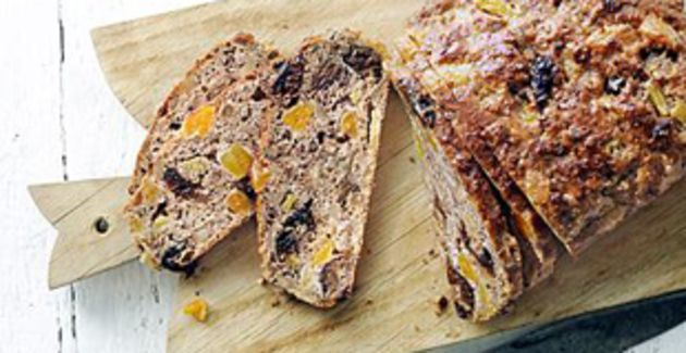 Elke week het lekkerste recept bij Libelle. Deze week het recept voor donker vruchtenbrood.