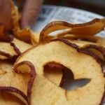 Make crisps out of apples, easy recipe for kids   Recept: Appelchips. Supermakkelijk om te maken samen met kinderen !   #chips #appels
