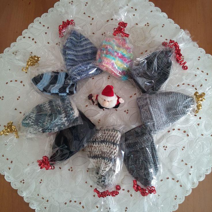 Regali natalizi personalizzati. Cappelli per tutti i gusti.