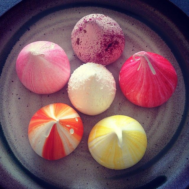 #meringue #kisses #charliebuckett