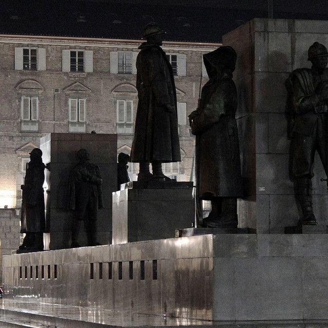 #Torino, Monumento a Emanuele Filiberto Duca d'Aosta (Eugenio Baroni, 1936-37) in piazza Castello