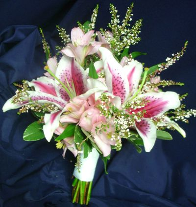 stargazer lily bouquets for weddings | Purple Stargazer Lily Bouquet Stargazer lily bouquet