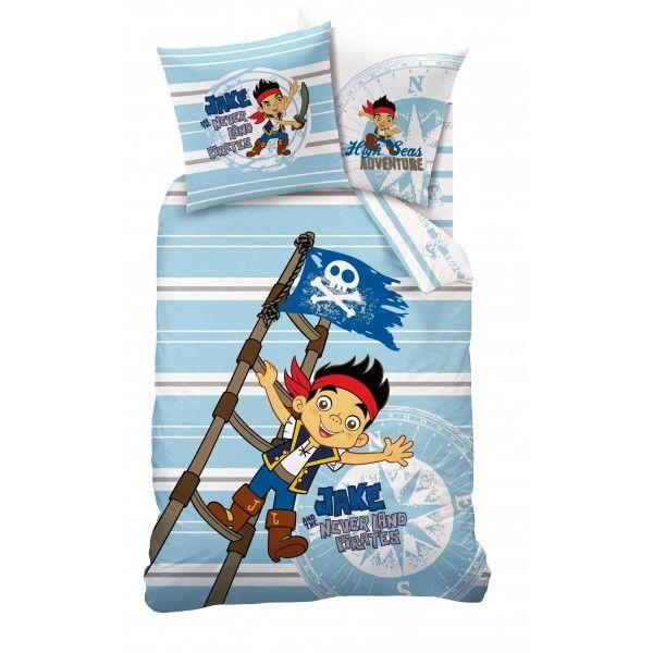 Dejligt og flot sengetøj med Jake og ønskeøens pirater motiv. Sengetøjet har forskelligt motiv på begge sider, så man selv kan vælge hvilken side der skal vende op