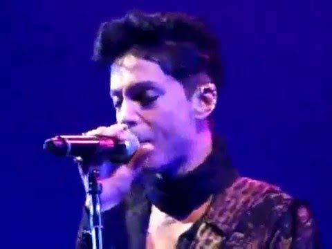 Awesome prformance! Prince - Purple Rain Live in Milan 2010 20Ten Tour