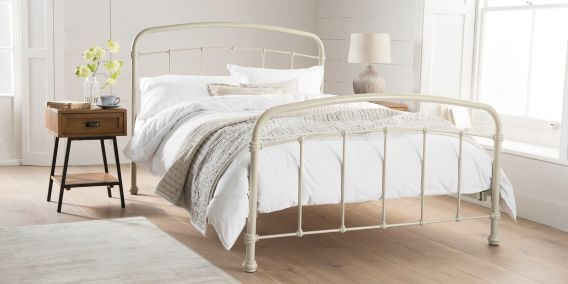 Ever seen a bedroom so pretty? Minimal styling and our gorgeous Shoreditch bed in cream.