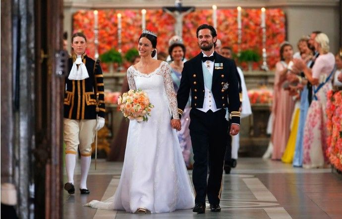 Принц Швеции Карл Филипп женился на бывшей модели - http://russiatoday.eu/prints-shvetsii-karl-filipp-zhenilsya-na-byvshej-modeli/ В Стокгольме прошла долгожданная свадьба наследника престолаДо своего знакомства с Софией Хельквист крон-принц Швеции Карл Филипп слыл плейбоем и дебоширом – несмот