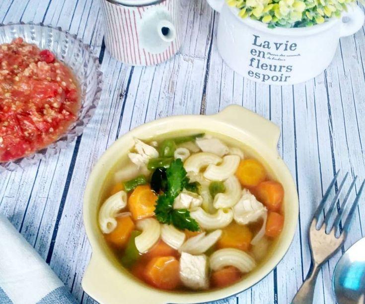 Cara Membuat Sup Ayam Makaroni Menu Masakan Lezat Untuk Sarapan Iniresep Com Resep Sup Ayam Masakan Resep Sup