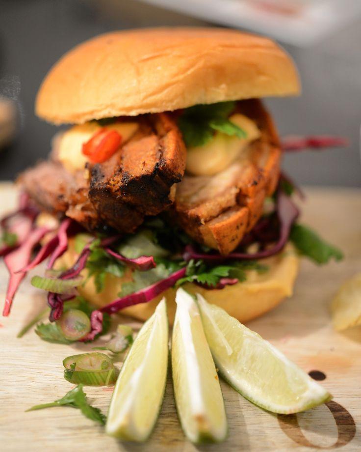 Asiatisk ribbe-burger | lars spiser – oppskrifter & matglede