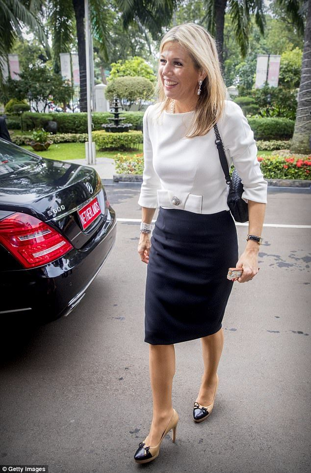 Love Maxima's outfit. Would have love to seen her hair pulled in a chignon or stylish ponytail -- would have added polish to such a chic woman.