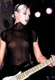 ポール・シムノン(The Clash)。 長身で、立ち姿だけで様になるというか。「LONDON...