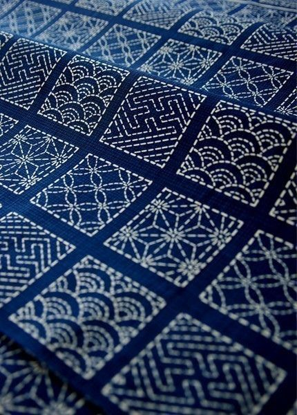 Sashiko quilt embroidery & patterns. Love to start an indigo quilt in Sashiko Embroidery!