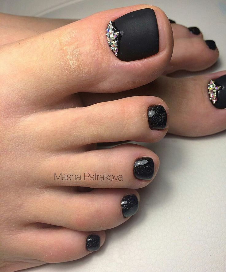 Black Matt Toe nail art