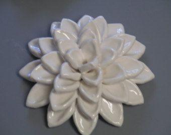 Cerámica blanca hinchada Dalia Compro 1,2 o los tres, flores de cerámica, blanco hinchada dahlia, flor flores, escultura de cerámica de la pared, flores de cerámica