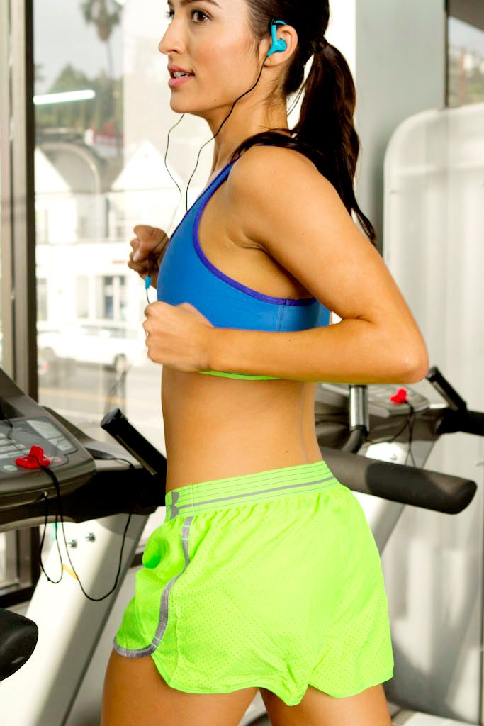 The celebrity secret to shaping up in not a lot of time? Hard-core treadmill intervals that blast fat and burn tons of calories.  Regardless of your fitness level, there's an option for your workout needs!