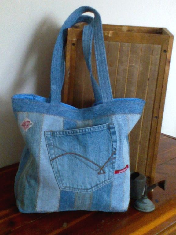 Denim Tote bag Repurposed denim jeans 15 x 12 by ripnrollrugs