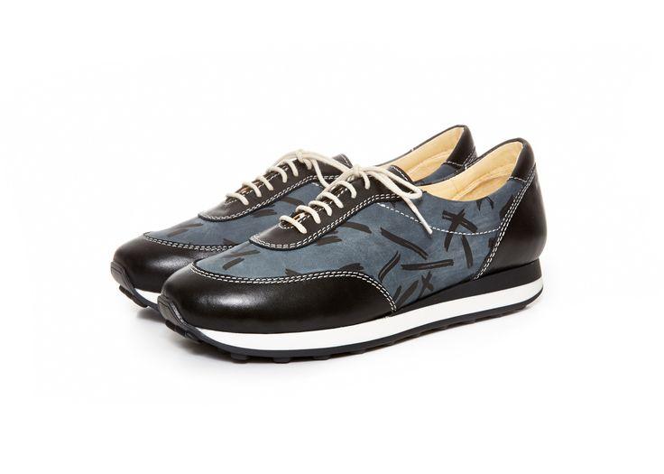 http://shop.terhipolkki.com/product/olive-sneaker-blush-black