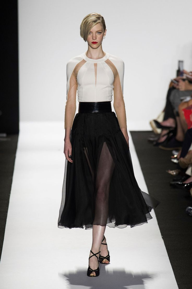 54 photos of Carmen Marc Valvo at New York Fashion Week Spring 2015.