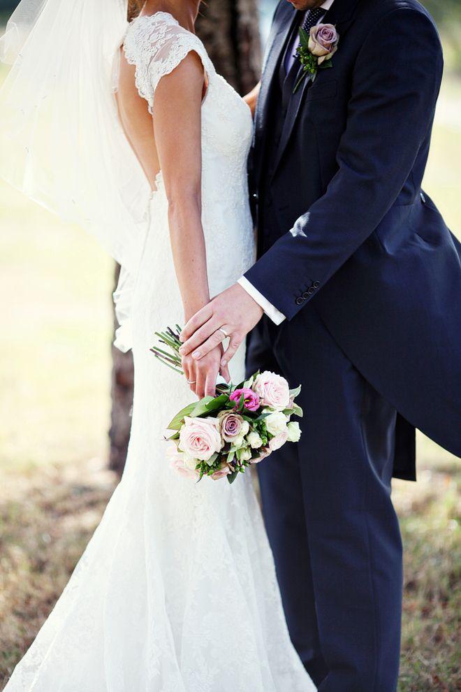 Navy blue and pink English wedding | Dasha Caffrey