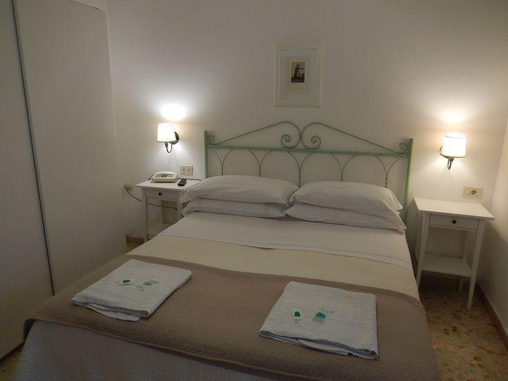 Prenotate la vostra camera preferita direttamente dal nostro sito ufficiale... e risparmiate!    #ischia #ischiaponte