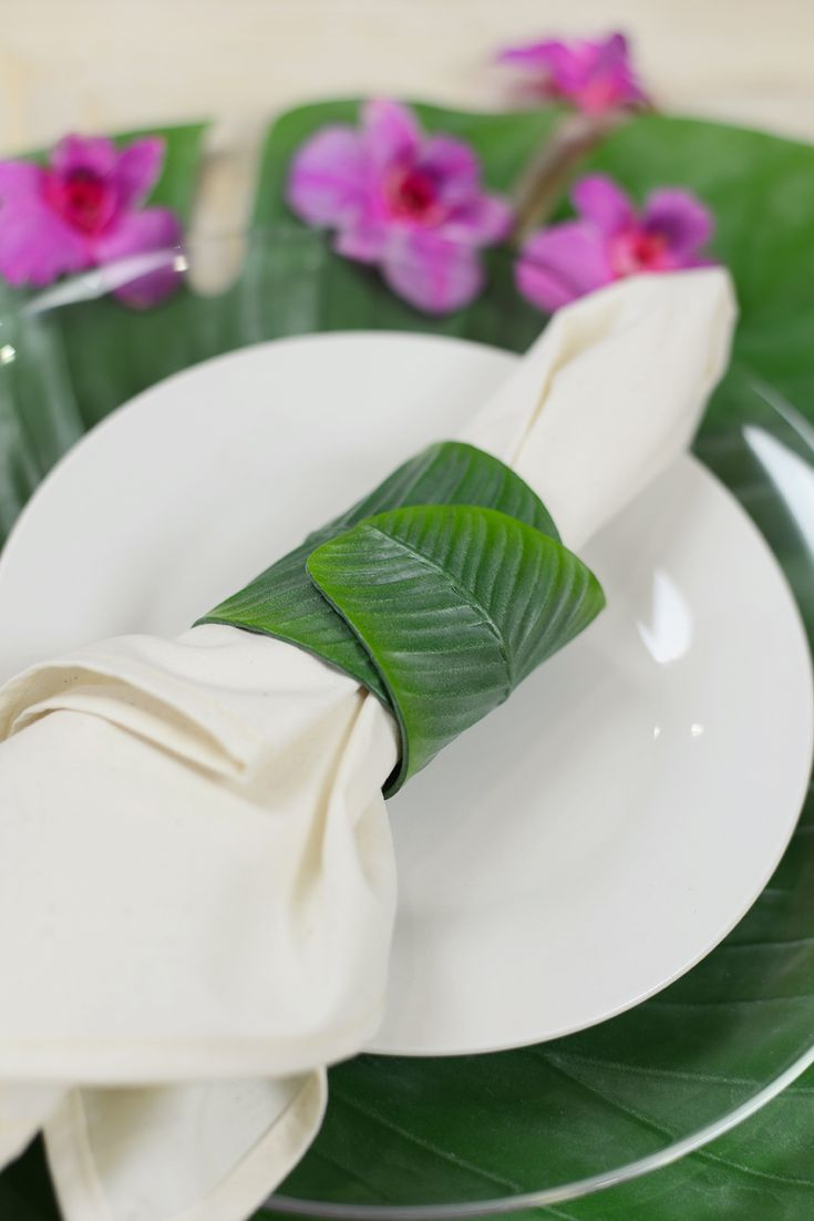 6 Banana Leaf Napkin Rings