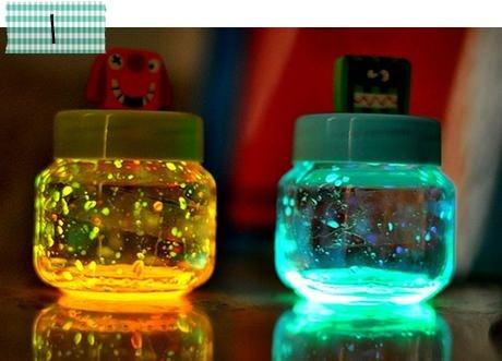 Luminárias divertidas! =)  http://www.minhacasaminhacara.com.br/top-5-da-semana-4/#