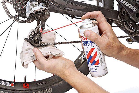 MountainBIKE verrät, welche Schmierstoffe Sie für welche Teile am MTB einsetzen sollten - und wie Sie die Parts damit richtig behandeln.