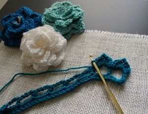 Crocodile Stitch Flower: Free crochet Pattern