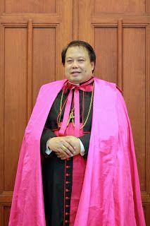 Bulla Kepausan Pengangkatan Uskup Surabaya Para uskup kita di Indonesia dan uskup Gereja Katolik Ritus Latin lainnya dipilih dan dia...