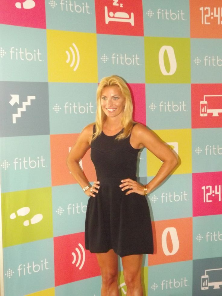 federica fontana wears the flex tory burch wristband at the fitbit italy launch in milan july. Black Bedroom Furniture Sets. Home Design Ideas