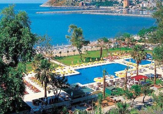Турция уже много лет поощряет посетителей и соблазняет многочисленных туристов, посещением турецких курортов. Часто это большие и разрекламированные места, в которых царит большое оживление. Чтобы избежать избытка людей и лучше отдохнуть, можно отправиться в Аланию, которая имеет интересную историю, достопримечательности, пляжи и море, благодаря которым, вы будете чувствовать себя на настоящем празднике.