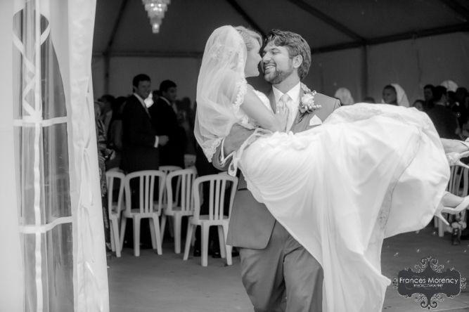 journalistic wedding photographer at liuna gardens